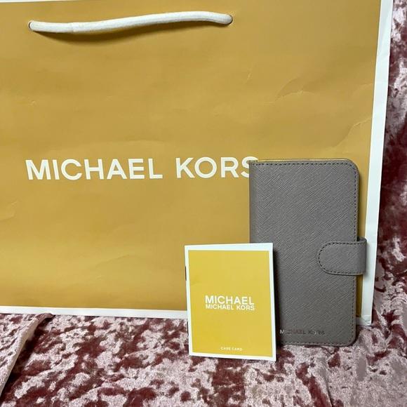 MICHAEL KORS PHONE CASE/WALLET. VGC
